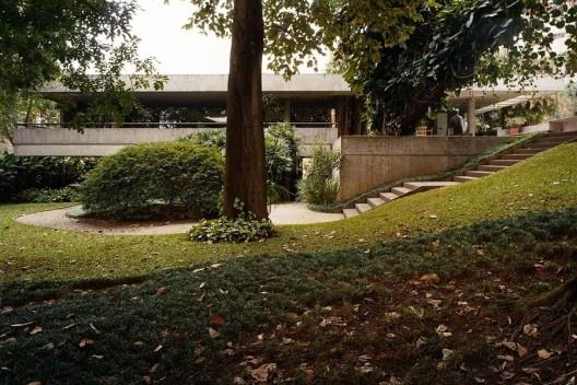Residência Max Define, São Paulo SP, 1978. Arquiteto Eduardo de Almeida<br />Foto Nelson Kon